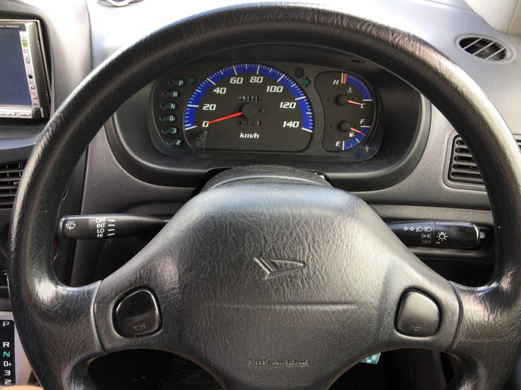 ペーパードライバー講習01運転席