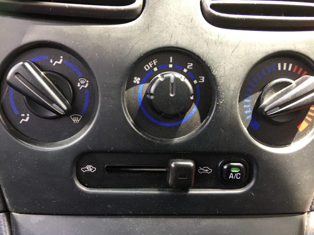 ペーパードライバー講習04 窓が曇った時 計器