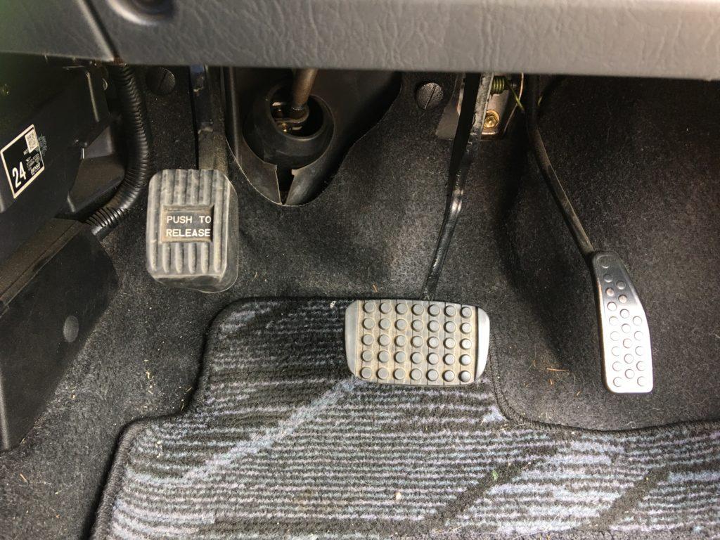 ペーパードライバー講習03 アクセル ブレーキ サイドブレーキ